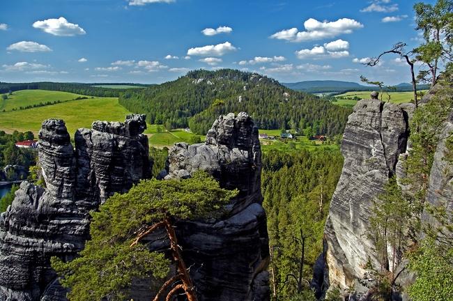 Z Teplic přes Bukovou horu a okolo Křížového vrchu do Adršpachu