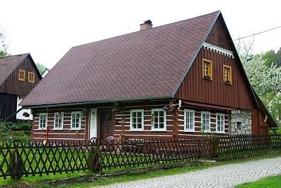 Roubenka Javor 33